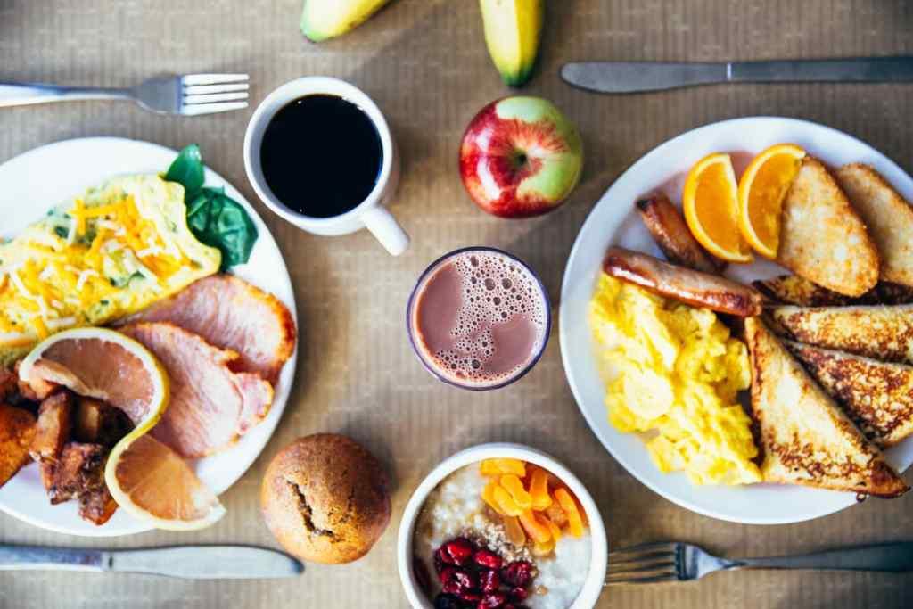 Le petit déjeuner peut favoriser la perte de poids, réduire les besoins en insuline, améliorer le diabète